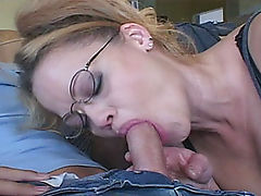 Pink shaved MiLF pussy gets eaten and fingered