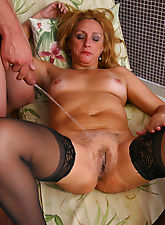 Horny mature slut in sucking, fucking and pissing action