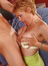 Sexy MILF gives a sloppy blowjob