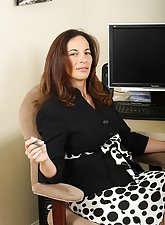 Mature mom Melissa strips down at the office