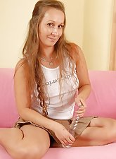 34 year old Stella from AllOver30 stuffing a glass dildo into her box