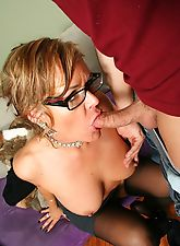 Older slut getting her fuck slot stretched by her stepson